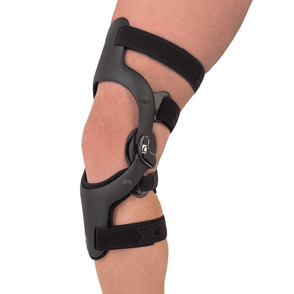 CTi ® Custom. HC000317. CTi braces provide the ultimate combination of stabilization and protection of the knee ...